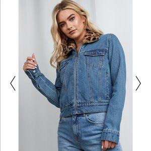 XLE Faux Fur Collar Denim Jacket